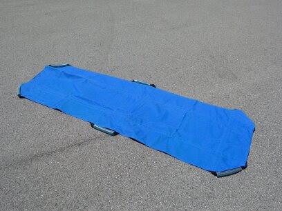 ソフトナイロン担架:病院ベッドからストレッチャーの移乗などにお使い頂けます。無料。