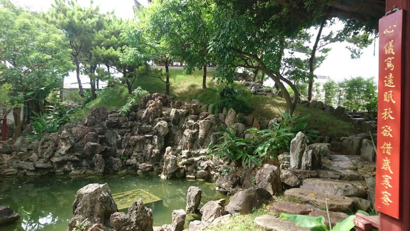石の配置なんかも計算されているんだろうか。