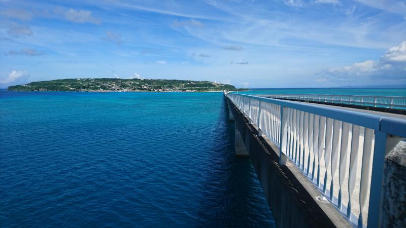 財産・レガシーですね、沖縄の海・空は。