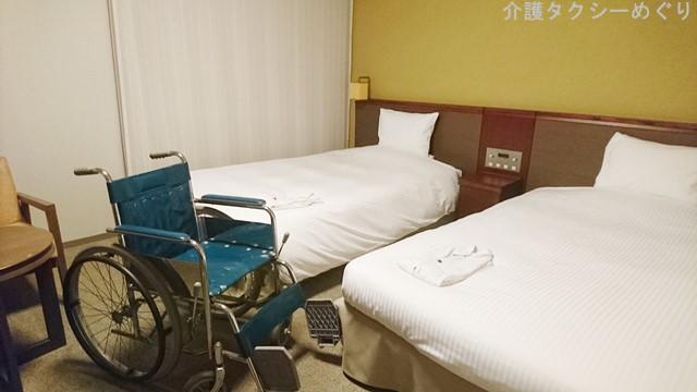 車椅子からベッド移乗も負担なく行えるかと。