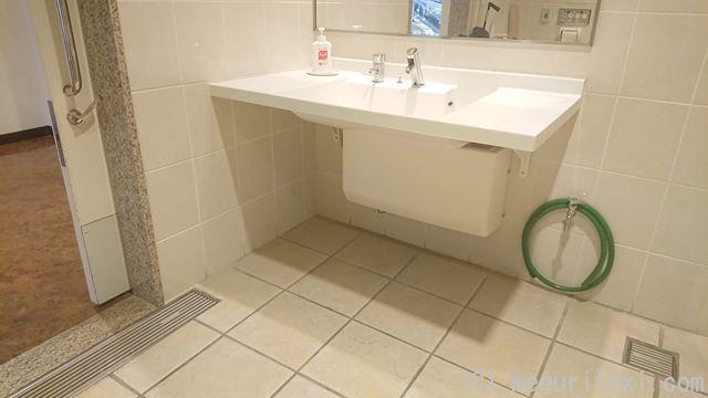 オリオンハッピーパーク多目的トイレ・洗面台
