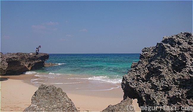 久高島カベール岬と砂浜と海