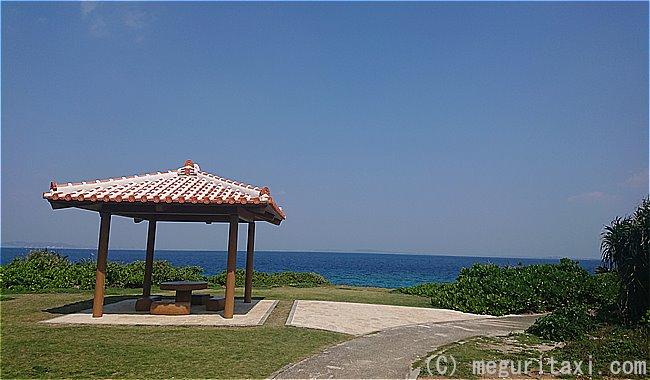 久高島ロマンスロード休憩所