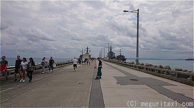 ホワイトビーチ基地 軍艦への通路
