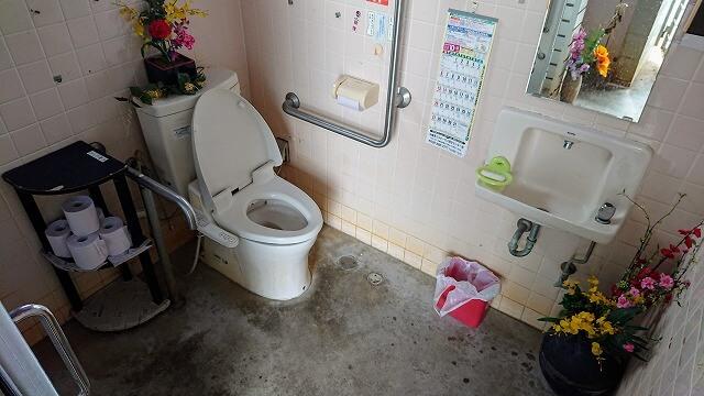南城市もずくそば くんなとぅの車いすトイレ