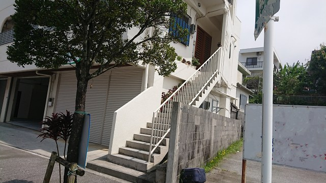 レール式階段昇降機が取り付けられない住宅