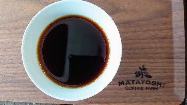 又吉オリジナルホットコーヒーとプレート
