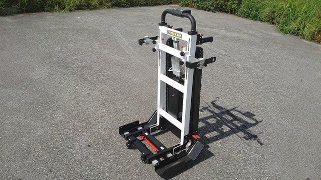 車椅子ごと階段昇降できる可搬型階段昇降機ウェルキャリーの外観